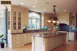 Kitchen With An Island Design Ekd Kitchen Designs