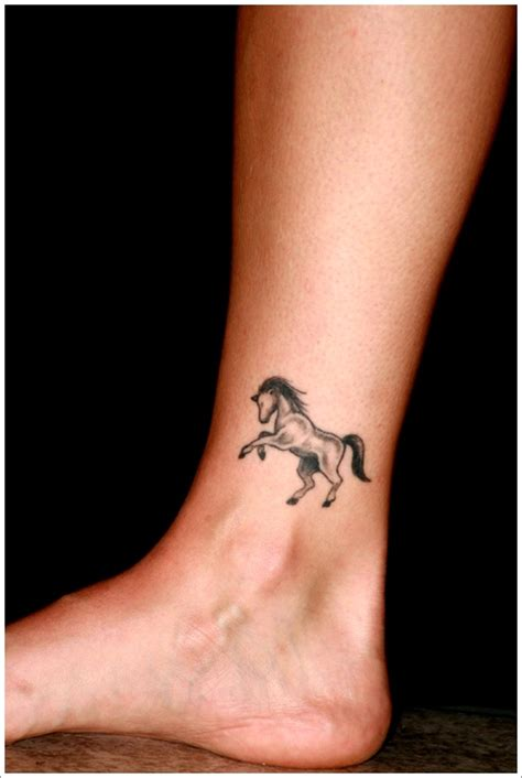 small horseshoe tattoo small designs on foot war