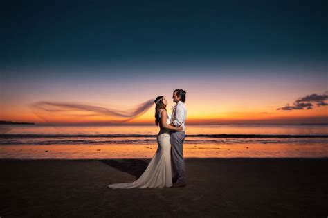 Beach wedding photography tips