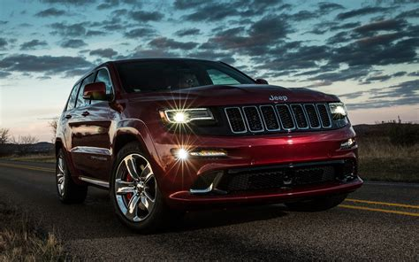 jeep srt 2014 2014 jeep grand cherokee srt front three quarters view