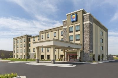 comfort inn hotel brand announces it will go smoke free