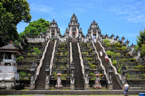 bali plans  visitor rules  falling tourist quality