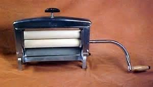 Crank Clothes Dryer Best Clothes Wringer Safe Laundry Tips