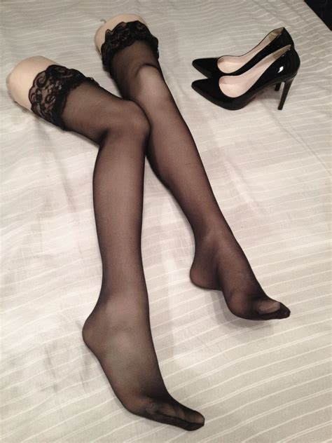 stockings und high heels high heeled shoes and stockings legs by jisuzhijian on