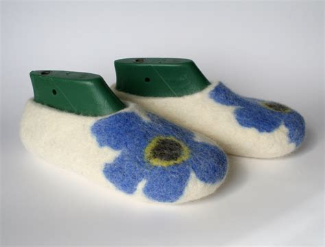 felt house slippers felt house slippers 28 images felted slippers home shoes handmade house shoes
