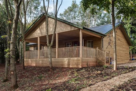 Log Cabins In Gloucestershire by Log Cabin Outside Logcabinholidays