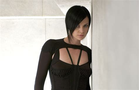aeon flux hairstyle charlize theron wallpapers pictures images