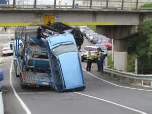 Car Dealers Oamaru Nz Truck Wedged Oamaru Rail Bridge Otago Daily Times