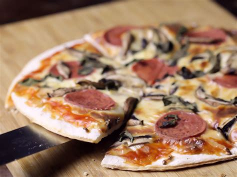 pizza with in crust how to make thin crust pizza 12 steps with pictures