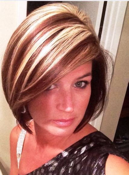 chunking or highlighting short brown hairstyle 15 ideas for blonde highlights short hair