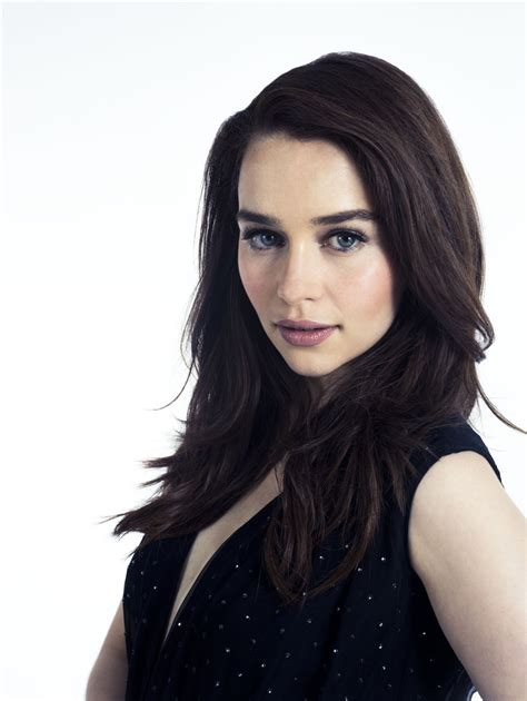 emilia clark 13 awesome pics of game of thrones fame emilia clarke