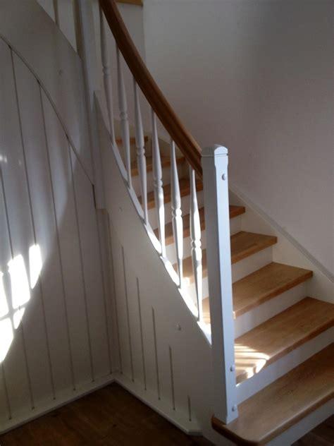 holztreppen geländer design treppe viertelgewendelt