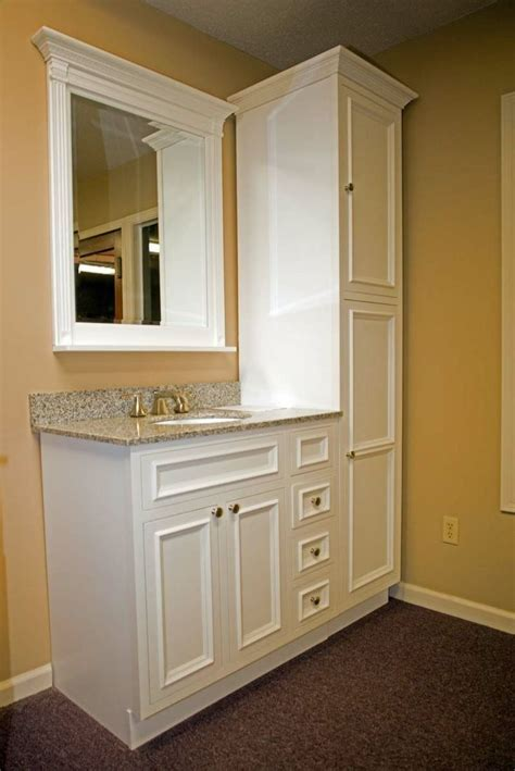 Bath Cabinets by 25 Best Ideas About Bathroom Vanities On