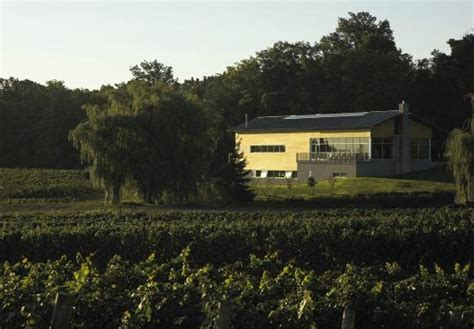 beamsville bench wineries flatrock estate winery