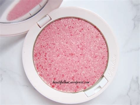 Guerlain Meteorites Happy Glow Blush On review guerlain meteorites happy glow blush