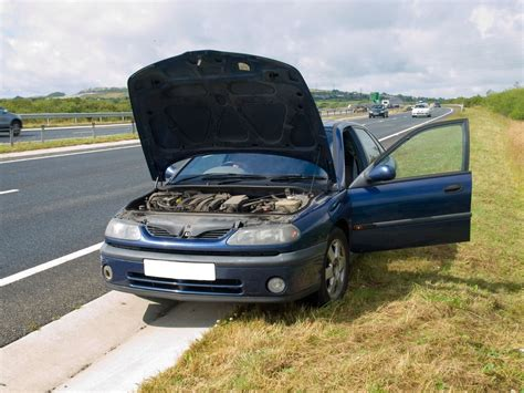 Auto Kaputt by How To Stay Safe If Your Car Breaks On The Road