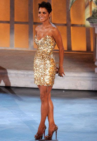 Halle Berry Sparkles In The Canadian Edition Of Hello Magazine by 267 Best Halle Berry Images On