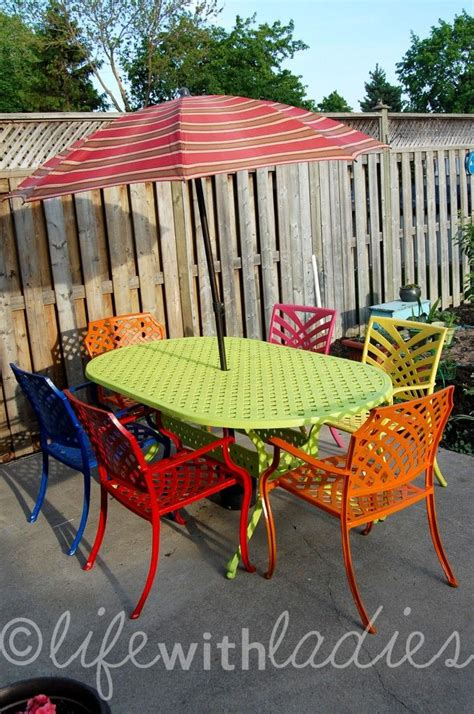 Paint Patio Furniture Metal - thrifting 50 awesomeness this could work for my metal