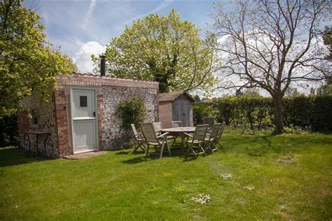 Pear Tree Cottage Norfolk by Pear Tree Cottage Thornham Surrounding Villages Holme