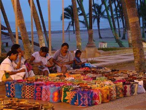 imagenes mujeres wayuu archivo camellon y mochilas jpg wikipedia la