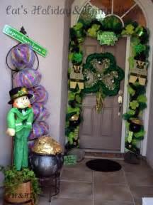 st s day door decorations shut the front door