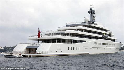 jacht van abramovich roman abramovich s 1bn yacht can t dock because saudi