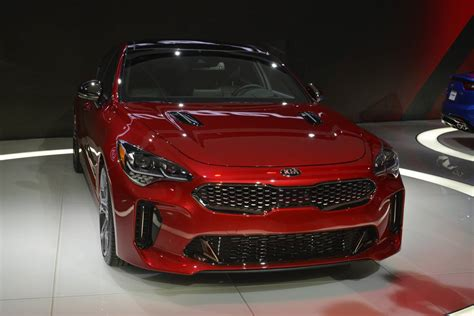 Kia G Detroit 2017 Kia Stinger Gt With 365hp Gtspirit