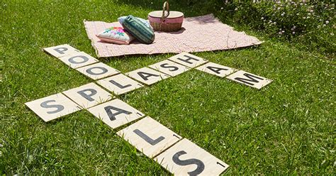 Diy Backyard Scrabble by Lay It On The Lawn A Sized Scrabble Diy