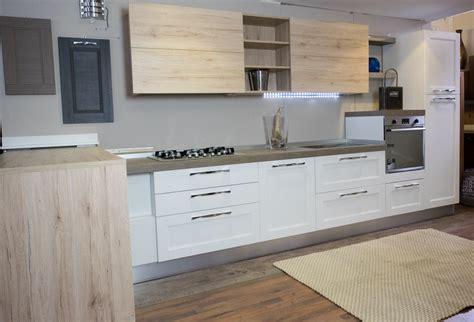 Bella Cucina Moderna Con Penisola #2: cucina-moderna-shabby-vintage-con-penisola-mobile-in-offerta_O2.jpg