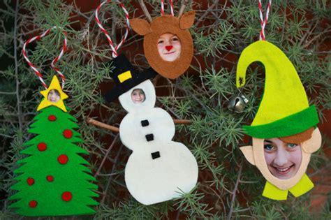 jibjab inspired felt photo ornaments ehow crafts ehow