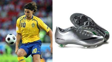 Sepatu Bola Kronos thareq 20 pesepakbola dan model sepatu yang