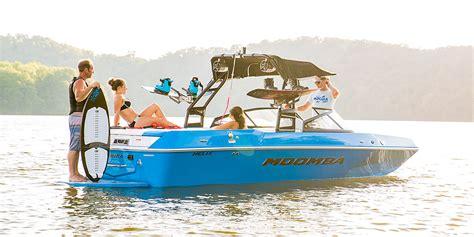 moomba boats raptor moomba helix tow boat raptor power kicker audio