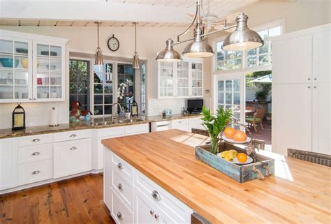White Kitchen With Wood - 26 gorgeous white country kitchens pictures designing idea