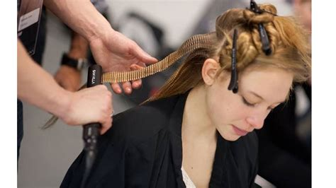 How To Use Hair Style Tools by How To Style Your Tresses Without Styling Tools How To