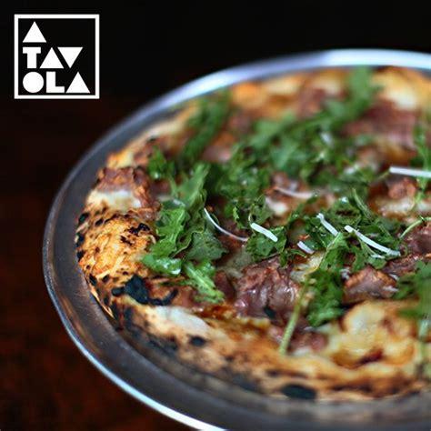 a tavola pizza whywia quot a tavola s quot fig prosciutto wood oven pizza a