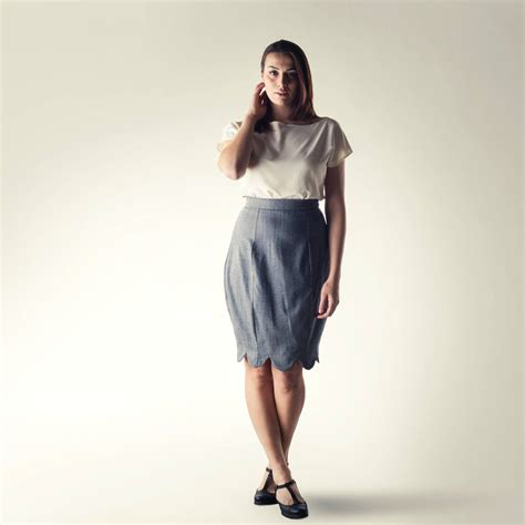 hourglass pencil skirt in grey made in italy by