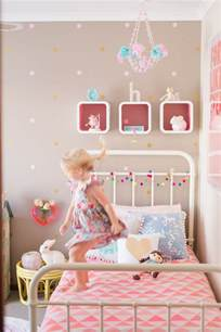 Vintage Girls Bedroom pics photos decorating diy girls bedroom roses shabby cottage chic