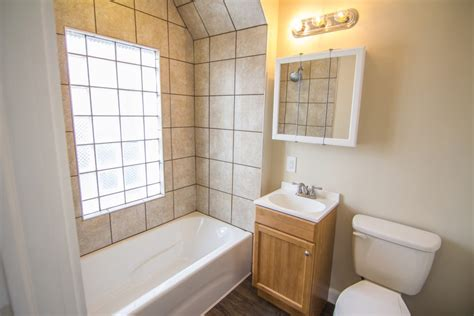 bathrooms willoughby fmm rentals 1 bedroom 1 bath willoughby fmm rentals