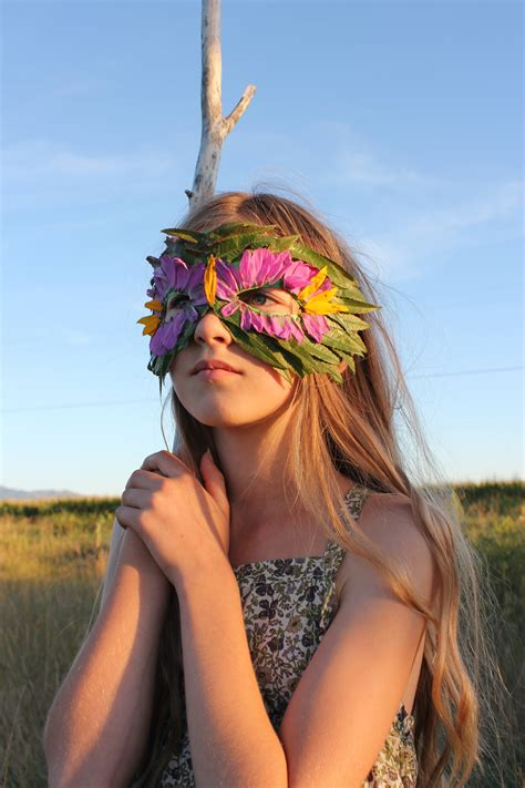 ideas mag free version mer mag diy nature mask with leaves and flowers mer mag