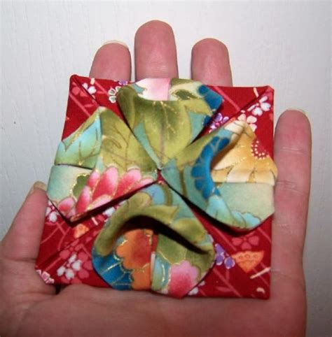 Origami Fabric Flowers - 25 best ideas about 3d quilts on optical