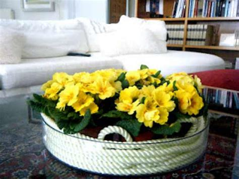 coffee table flower arrangements how to make your own easy spring flower arrangements