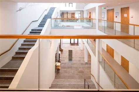 Foyer Treppen by Holzhandlauf Treppe Foyer Eislingen Stahlbau N 228 Gele