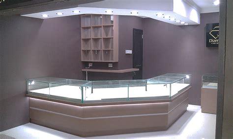 Lemari Kaca Rokok 23 model dan harga etalase kaca alumunium lengkap dengan gambarnya model desain rumah minimalis