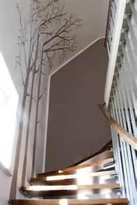 treppe tapezieren 1000 ideen zu treppe streichen auf