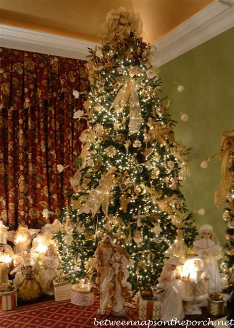 images of victorian christmas trees 30 exquisitely stunning victorian christmas decorating