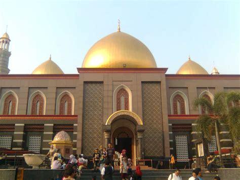 kapurinjing masjid kubah emas