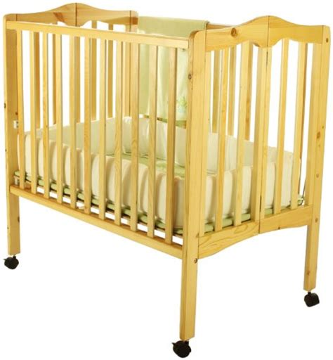 On Me 2 In 1 Portable Folding Crib by On Me 2 In 1 Lightweight Folding Portable Stationary