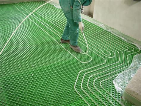 pavimento a riscaldamento e 180 meglio l 180 impianto di riscaldamento a pavimento o il