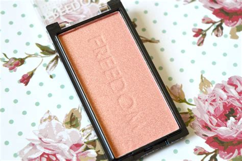 7 Gorgeous Blushes by 2 Gorgeous Blushes From Freedom Makeup Plus Giveaway