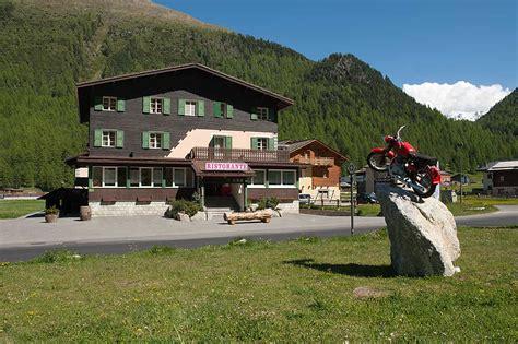hotel con camino caminetto in montagna camere dalbergo con camino